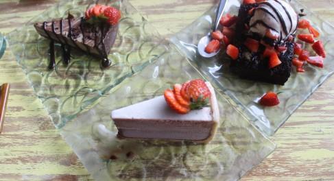 Raw chocolat cake, brownie and raw coffee